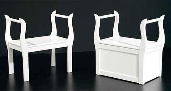Las Marquesitas son muebles auxiliares diseñados para decorar, así como para calzarte y descalzarte con mucha comodidad.