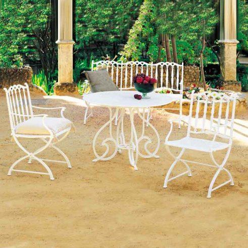 mesa gaudi marbella con sillones merida
