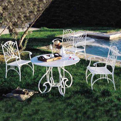 mesa gaudi marbella con sillones puerto