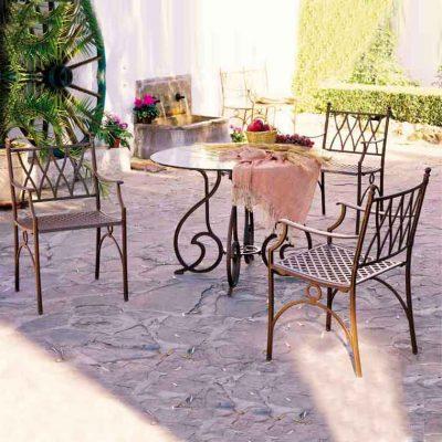 mesa gaudi cristal y sillones denia