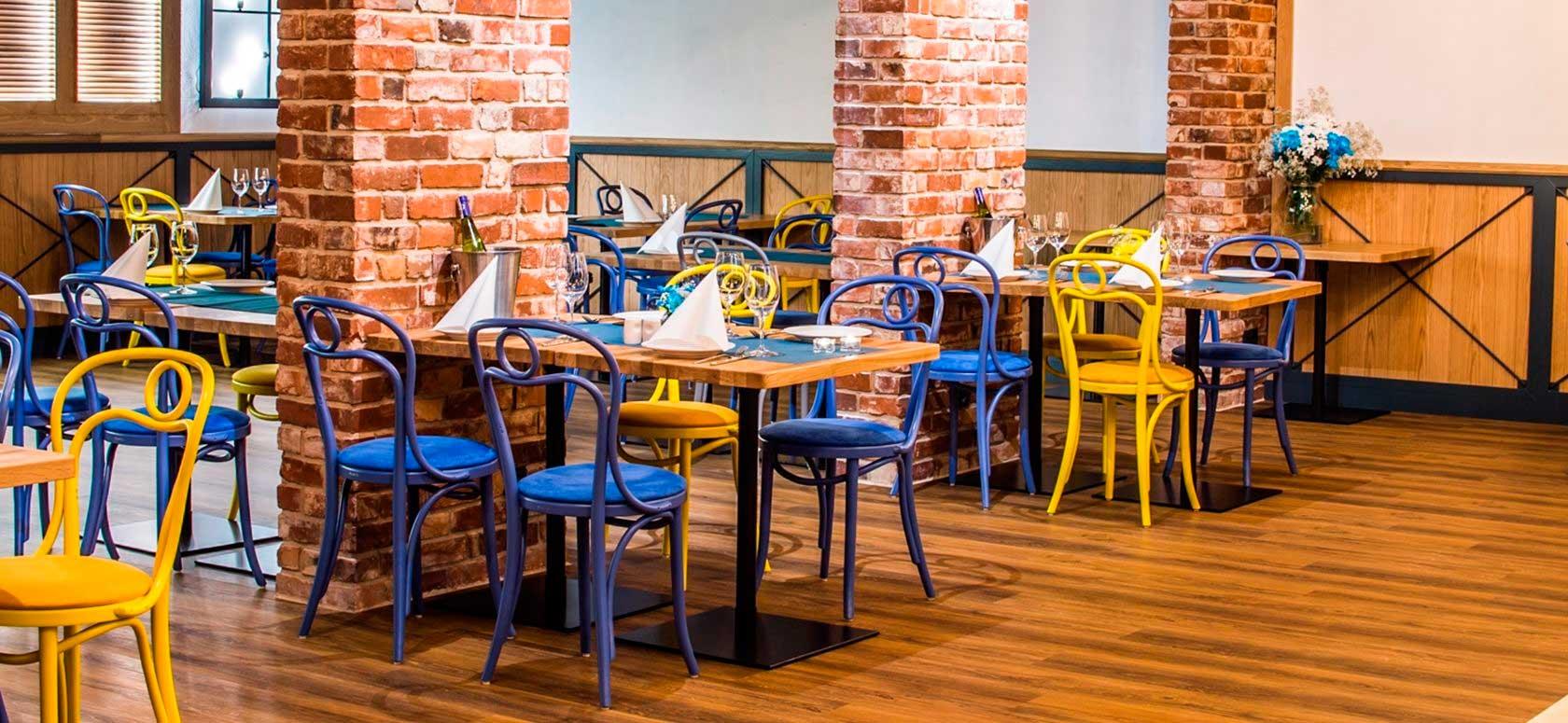 Mobiliario hostelería Cuenca. Sillas de Bar