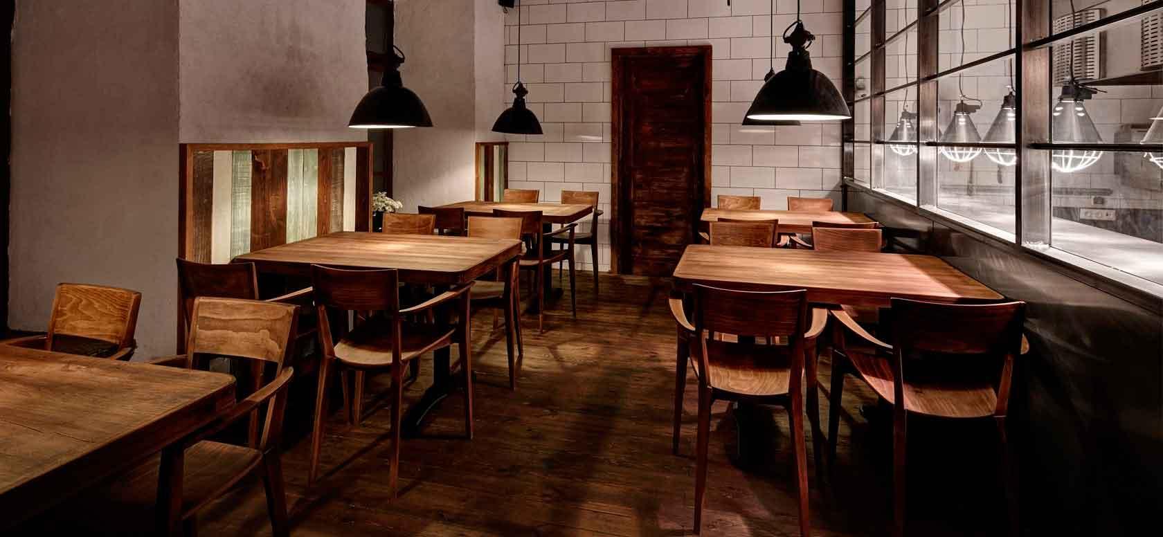 Trabajo realizado con Sillas madera de haya Fama. Para hostelería, ambiente 1