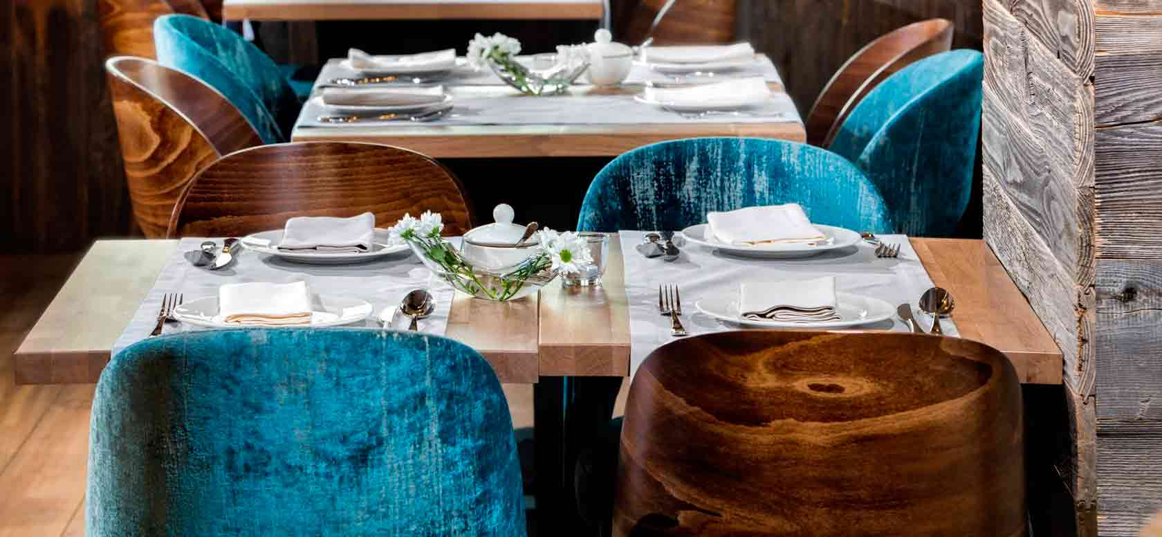 Trabajo realizado con Sillas madera de haya o roble Avola, para hostelería, ambiente 4
